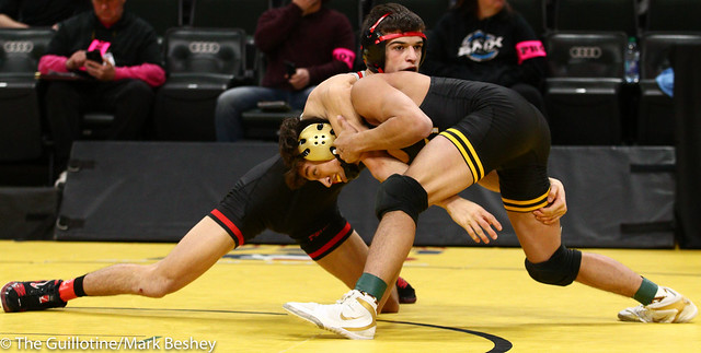 138 - Semifinal - Sebas Swiggum (Apple Valley) 52-2 won by decision over Trey Kruse (Stillwater) 43-6 (Dec 3-2) - 190302amk0072