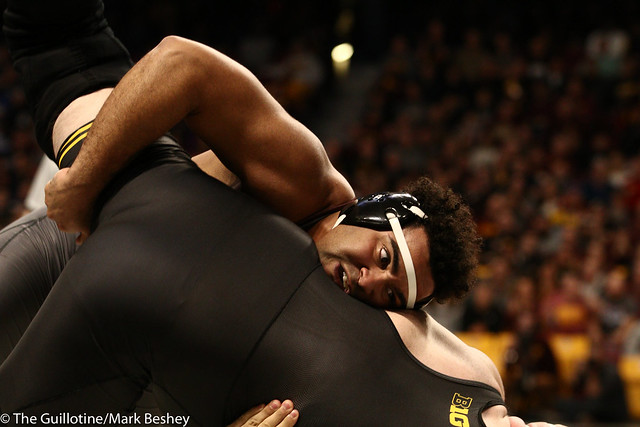 Quarterfinal - Gable Steveson (Minnesota) 29-0 won by decision over Sam Stoll (Iowa) 9-4 (Dec 5-3) - 1903amk0386