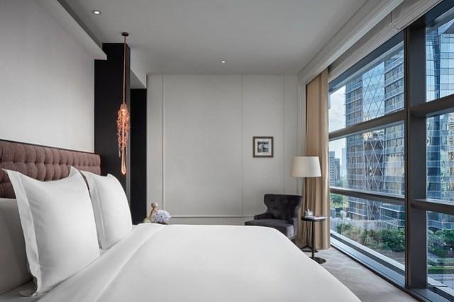 RWBKK_Manor Suite_Bedroom
