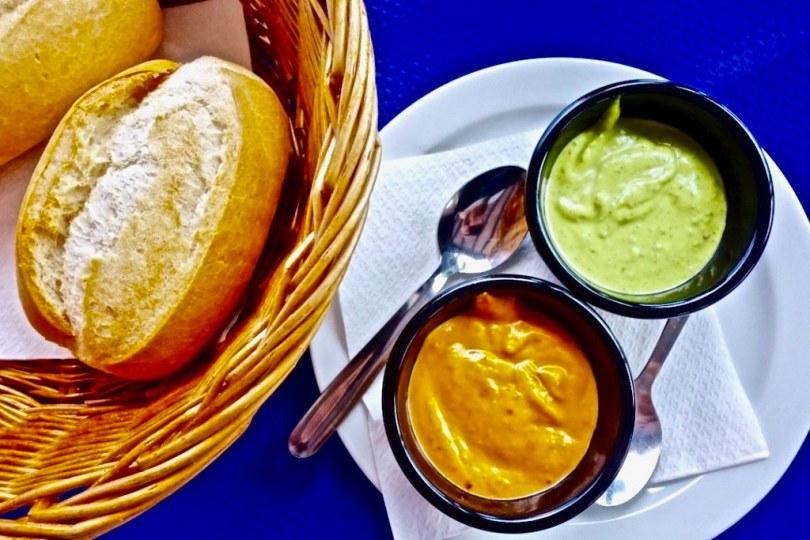 Cosa mangiare alle Canarie - Mojo Rojo e Mojo Verde