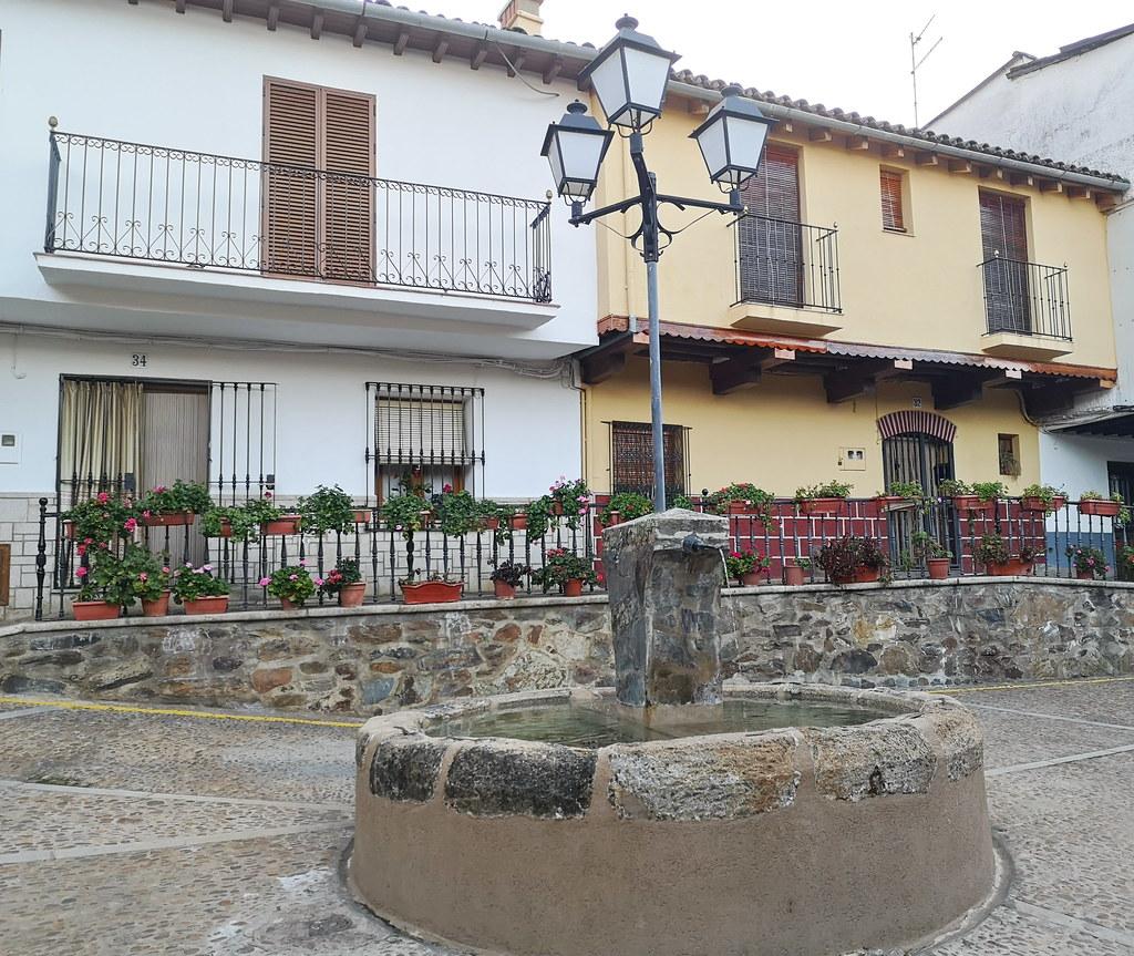 calle Corredera fuente Guadalupe Caceres 02