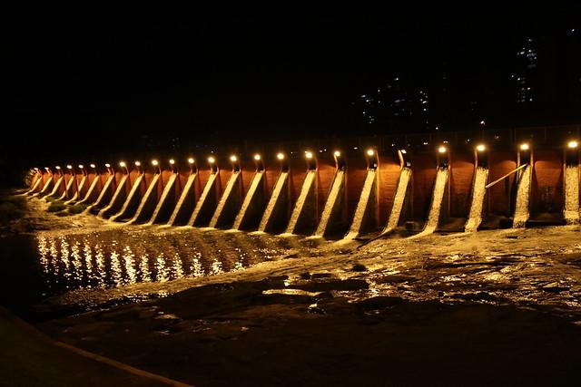 08.02.2019 Iluminação da barragem do Lago Igapó