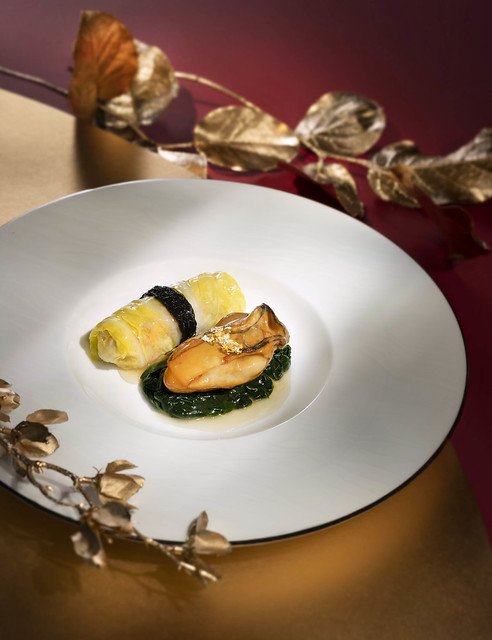 Lai Heen - CNY Promotion 2019 - Sliced Pork with Tianjin Cabbage and Black Moss with Air-dried Oyster