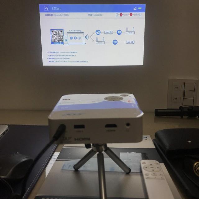2019新上市! acer C202i 微型投影機!商務出遊兩相宜!開箱分享! - Mobile01