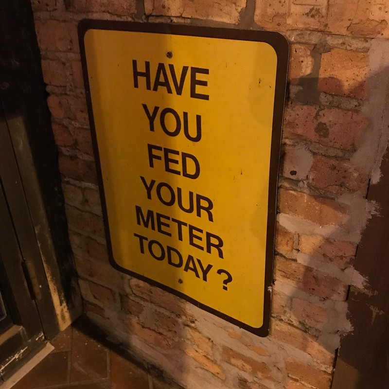 Sign outside Mellow Yellow, Hyde Park, Chicago