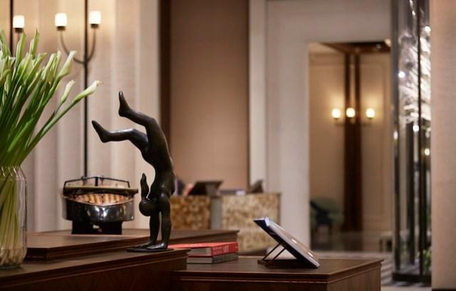 RWHKG_Hotel Lobby