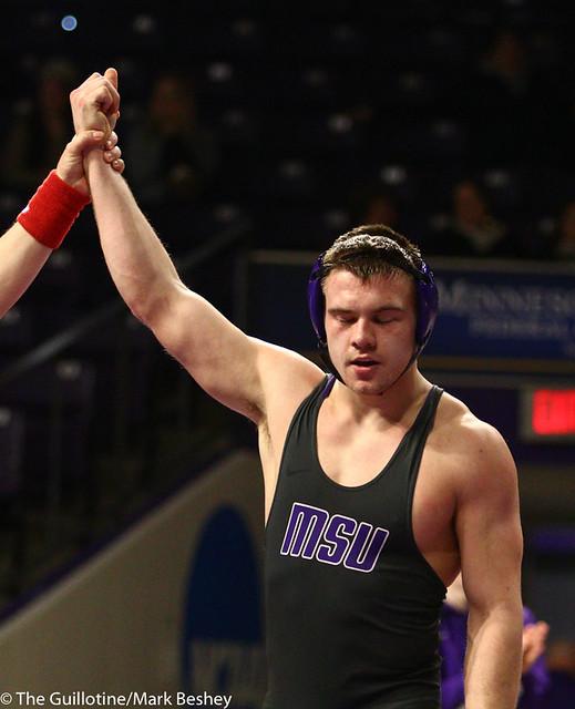 174: Zach Johnston (MSU) wins a 7-4 decision vs Dru Kuchenbaker (SMSU) | 19-9 MSU - 190125mke-0090