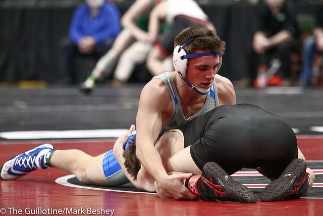 152 - Semifinal - Willie Bastyr (Lakeville South) 40-3 won by decision over Braden Kramer (Brainerd) 38-10 (Dec 7-5) - 190302amk0116