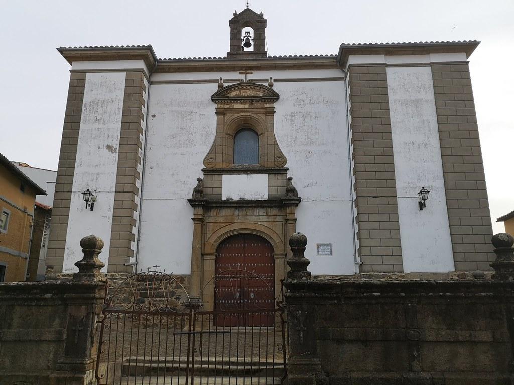 Casar de Palomero Basílica Cruz Bendita  Las Hurdes Cáceres 01