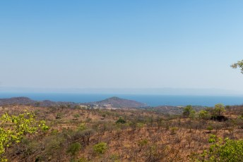 We reden daarna richting Livingstone, onderweg stopten we bij het grootste door de mens gemaakte meer.