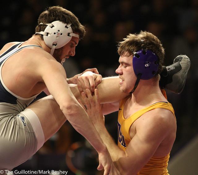 174: Zach Johnston (MSU) wins 13-10 decision vs. Jordan Gundrum (UIU)   6-3 MSU - 190117mke-0081