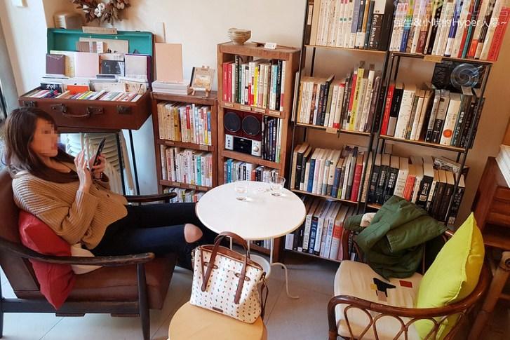 32244905857 142e108172 c - 在綠川河岸旁的書店裡享用家庭手作風味餐點,邊用餐邊享受書香整個好文青!