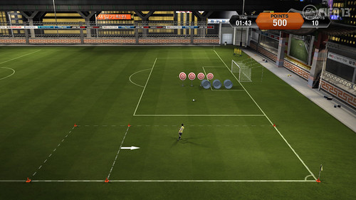 FIFA 13 Skill Games - Crossing