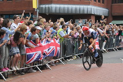 Bradley Wiggins racing to Gold in London 2012 ...