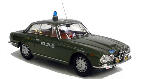 Autoparco Alfa 2600 Polizia-001