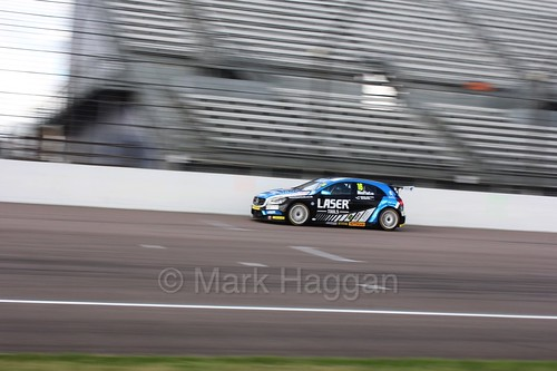 Aiden Moffat at Rockingham, August 2016