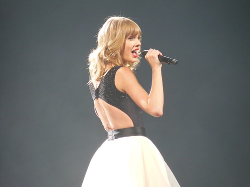 Taylor Swift RED tour by JABMW14, on Flickr