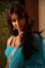 South Actress SANJJANAA Photos Set-11 (6)