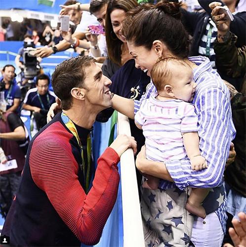 Phelps comemora mais uma vitória na Rio 2016