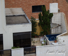Jacuzzi@18th floor: an observer for the green army