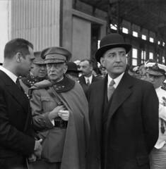 António de Oliveira Salazar e Óscar Fragoso Ca...