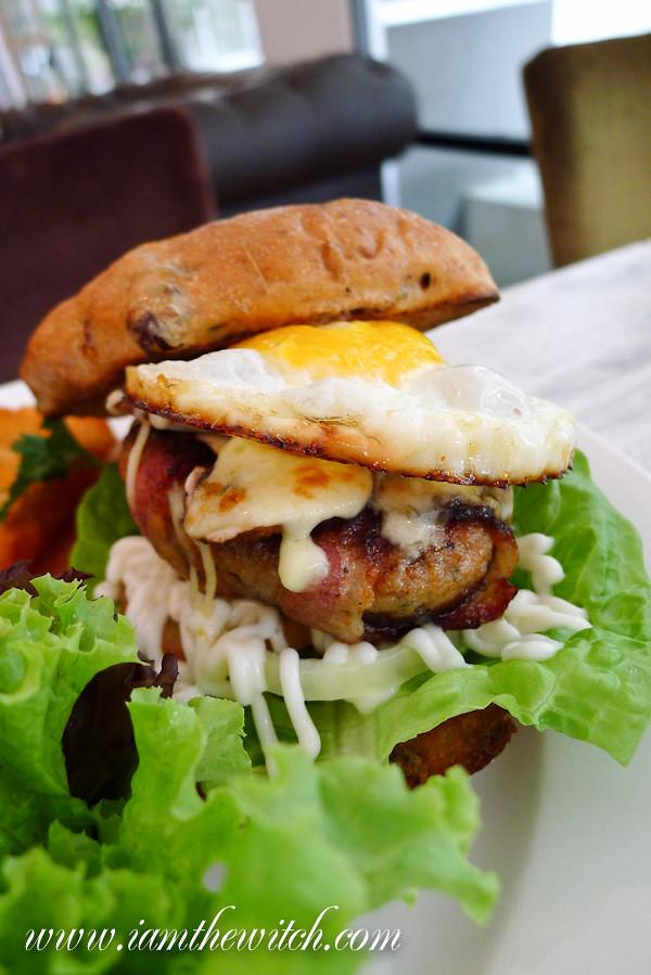 Ante pork burger