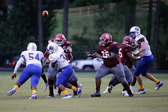 """RoblesJ_football_SG_vs_EG_00007 • <a style=""""font-size:0.8em;"""" href=""""http://www.flickr.com/photos/21368919@N07/28484666764/"""" target=""""_blank"""">View on Flickr</a>"""