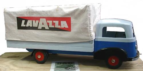 Zax camion Lavazza