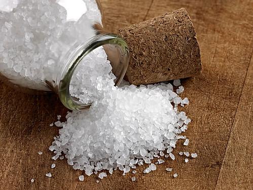 Se você mudou de casa, espalhe sal grosso pelos cantos