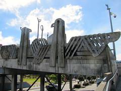Sculpted bridge