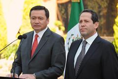 En reunión con Miguel Ángel Osorio Chong, gobe...