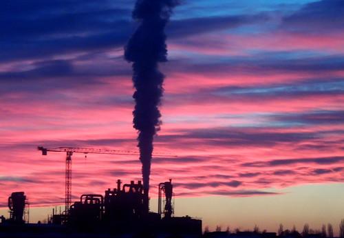 Tramonto sulla raffineria... (rospex) panorama tramonto cielo colori raffineria