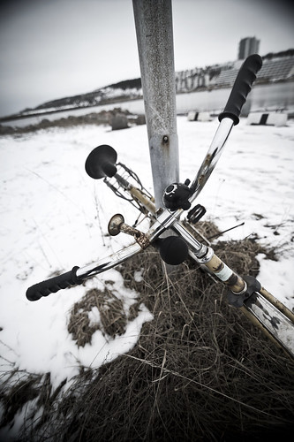 Övergiven cykel by arkland_swe, on Flickr