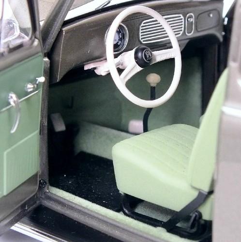 AutoArt VW Oval 1955 (10)