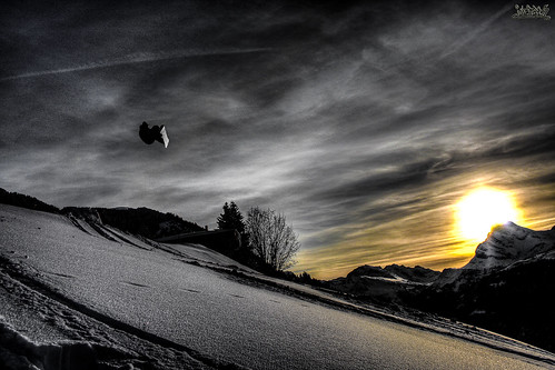 "RAMON SCHIELI Sonnenuntergang Glarnerland HDR SNOWBOARDING • <a style=""font-size:0.8em;"" href=""http://www.flickr.com/photos/91619724@N04/8467428497/"" target=""_blank"">View on Flickr</a>"