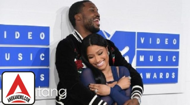 #Gosip Top :Adu Kemesraan, Ini Pasangan Selebriti yang Tampil Menggoda di VMA