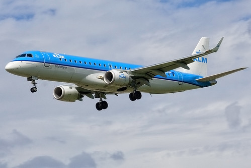 canon 350d klm approach embraer egll cityhopper... (Photo: Martyn Gill - IMAGES -731,000 Views - Thank You... on Flickr)
