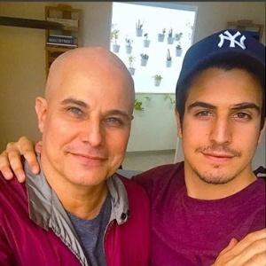 """""""Ele está muito otimista"""", diz Enzo sobre o tratamento de Edson Celulari"""