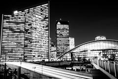 La Défense (Paris) - Night Shots - CNIT et tour SFR