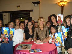 """amigas • <a style=""""font-size:0.8em;"""" href=""""http://www.flickr.com/photos/88683916@N03/8091045732/"""" target=""""_blank"""">View on Flickr</a>"""