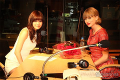 """Atsuko Maeda & Taylor Swift 9 • <a style=""""font-size:0.8em;"""" href=""""http://www.flickr.com/photos/66379360@N02/8249207070/"""" target=""""_blank"""">View on Flickr</a>"""