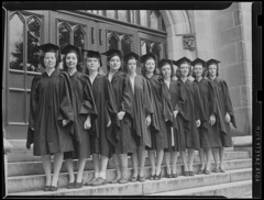 Beauty and Brains: 10 Wellesley College senior...