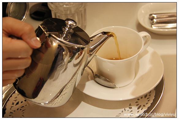 [台北.美食]Kaffee Amadeus阿瑪迪斯時尚咖啡館~蘋果巧克力 @VIVIYU小世界