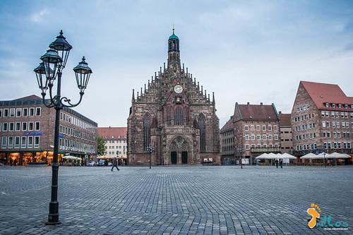 Igreja de Nossa Senhora (Frauenkirche), e a pr...