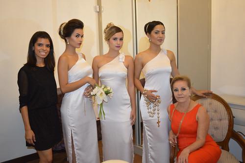 Danielle e Maria Célia com as modelos do Cálice Cerimonial maquiadas e penteadas por Michele