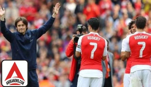#Bola: 10 Tahun Bersama Arsenal, Rosicky Balik ke Kampung Halaman