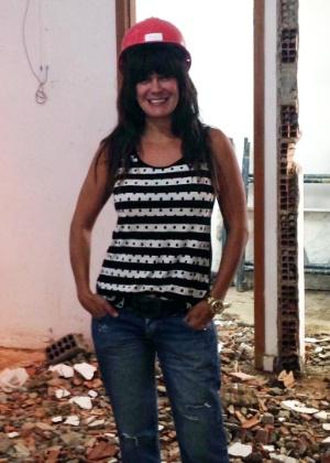"""Ex-""""BBB1"""" Cris Mota vira empresária e investe R$ 200 mil em hamburgueria"""