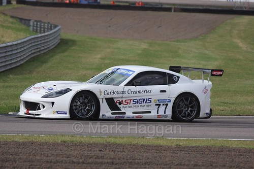 Mark Davies in the Ginetta GT4 Supercup at Rockingham, August 2016