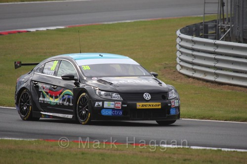 Mark Howard's car in Touring Car action during the BTCC 2016 Weekend at Snetterton