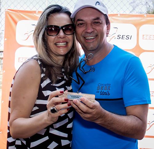 Mary e Luciano Araújo, presidente da FIEMG Vale do Aço